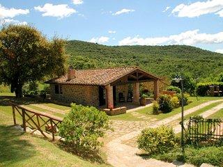 2 bedroom Villa in Citta della Pieve, Umbria, Italy : ref 5056043