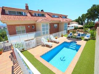 Villa ideal familias para 12 personas en La Pineda(120330)