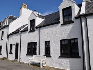 Isay Cottage, Stein