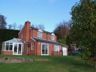 The Kernel - Kerne Bridge River Wye. AONB. Your holiday home from home!