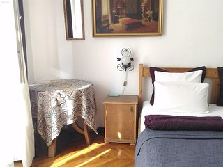 Danube view apartment close to Parliament with AC, free minibar
