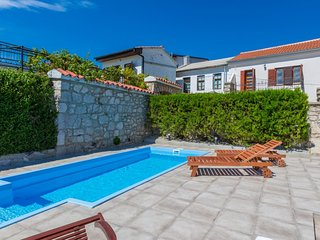 Private accommodation - holiday house Grizane 9950 Holiday house