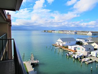 Bay Views at Pointe on the Bay 2 Bedroom Condo