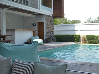 Architect Beach House 150m from beach and shops. Best location