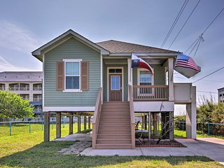2BR Galveston Home w/ Elevator - Walk to Beach!