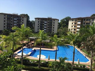 4TH FLOOR CONDO WITH POOL VIEW- GREAT PLACE