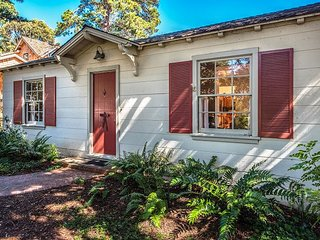 3764 On Soundings - Lovely, Quiet Carmel Cottage
