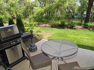 2Br+pullout + BBQ + Wifi + A/C + pool + firepit