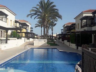 Luxury 2 Bedroom Penthouse Near the Sea, Mall, Restaurants- Ideal for Families!