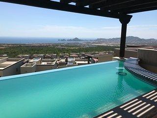 Incredible 2 Bedroom, 2 Bathroom, Ocean View Condo in Cabo San Lucas