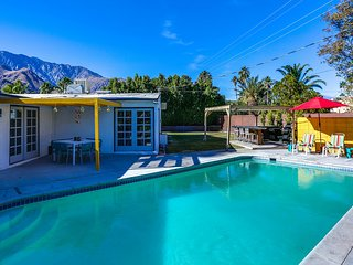 Palm Springs Pool Bungalow