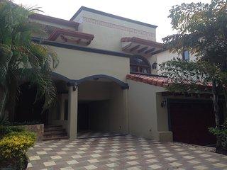 Casa Tres Bahias