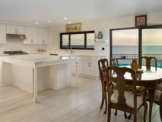 Spacious Silicon Beach Home With Panoramic Ocean Views in Playa del Rey