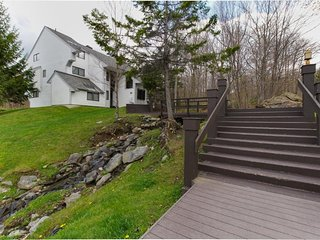 Ski-in/ski-out Sunrise condo w/ shared pool & hot tub - great ski retreat!