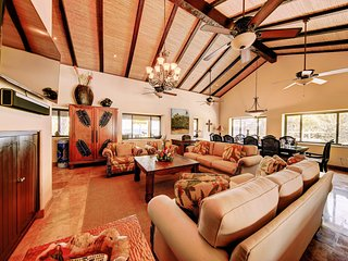 Beachfront Home in Playa Flamingo with Pool and Five Oceanview Suites