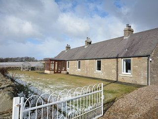 58026 Cottage situated in Carnoustie (6mls NW)
