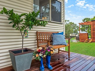 Blueberry Hills on Comleroy Farmstay - Self Contained Cottage