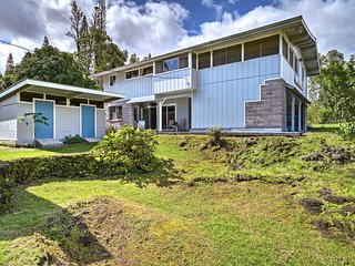 Keaau Apt. on Beautiful Acre w/Shared Pool & Deck!
