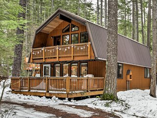 Mountain Chalet w/Private Hot Tub by Cle Elum Lake