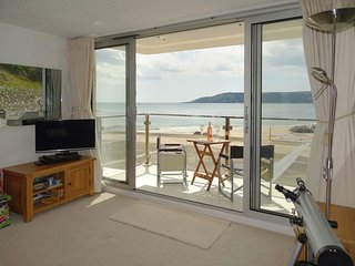 BEACH VIEW, neat, ground floor studio apartment with exceptional sea views. King