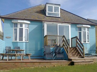 CARSILGEY, spacious, detached house with good sea views. Hayle 3 miles.