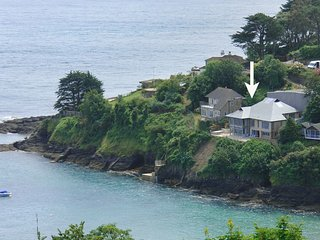 UNDERBECKS, magnificent detached house with home cinema and stunning sea views a