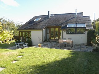 ORCHARD COTTAGE, detached contemporary house with wood burning stove, close to g