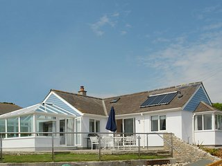 TAMARISK, smart house 200 yards from the beach with super views over Bigbury Bay