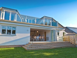 BEACHWALK, fabulous, smart seaside house with sun deck, 500 yards from Croyde Ba