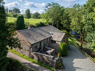RIVER VIEW COTTAGE, Fishing rights, lake District Cottage, Fell views, Ref: 9726