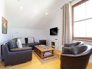 SKY VIEW, private parking, central Keswick, WiFi, Ref: 972554