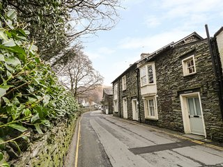 ROWAN COTTAGE, charming and character, WiFi, spacious, en-suite, in Grasmere