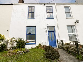 28 BODMIN ROAD, pet friendly, close to town centre, character cottage, in St Aus