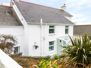 THE HIDEAWAY, all ground floor, dog friendly, open-plan living, Ref 967018