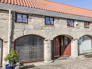 THE MISTAL, pet-friendly, open plan, close to National Park, Alnwick, Ref 958281