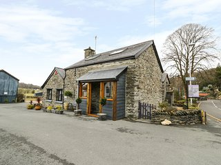 EFAIL BACH, open-plan, exposed beams, traditional features, in Machynlleth, Ref