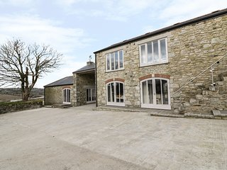 HELFORD, reverse-level accommodation, stunning views, open-plan, Ref 949105