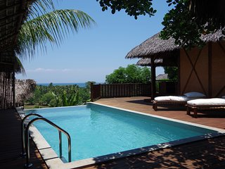 LUXUEUSE VILLA TROPICALE TRADITIONNELLE AVEC PISCINE PRIVEE  NOSY BE MADAGASCAR