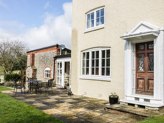 THE LAURELS, detached, Grade II listed, en-suite facilities, enclosed garden, in