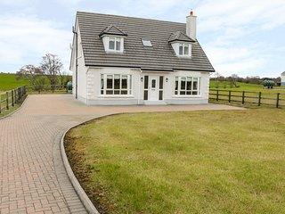 COIS ATLANTIC, open plan, countryside views, near Ballina, Ref 913354