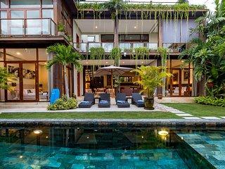 Villa Eden - Gorgeous Modern Tropical 4BR Villa in Seminyak, Petitenget!