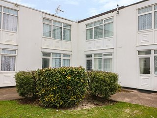 MIA CASA, cottage on holiday park, swimming pool, playground, Dawlish Ref 22985