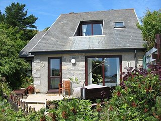Bay View Cottage, Crags 26