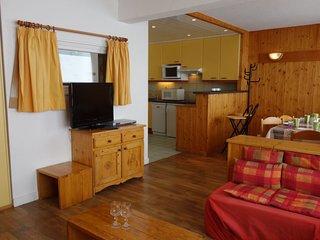 1 bedroom Apartment in Les Boisses, Auvergne-Rhône-Alpes, France : ref 5586635