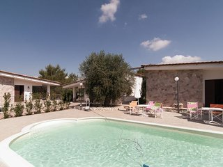 2 bedroom Villa in Bagnolo del Salento, Apulia, Italy : ref 5571708