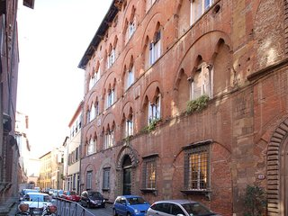 2 bedroom Apartment in Lucca, Tuscany, Italy : ref 5487005