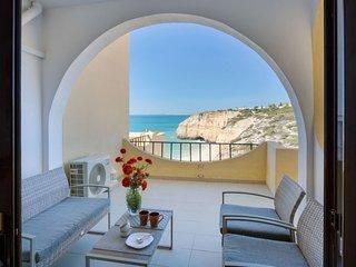 2 bedroom Apartment in Carvoeiro, Faro, Portugal : ref 5604322