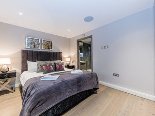 City Stay London - Chic 2 Beds Apartment Near Big Ben St James Park With Terrace