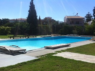 Maisonette 150sqm with pool in the centre of Voula