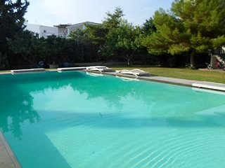 70sqm cute maisonette with pool near the beach!